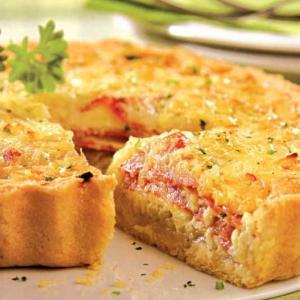 Tarta de Jamón y queso con lluvia de nubes de tomate