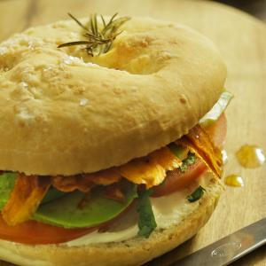 SANDWICH DE BACON VEGETARIANO