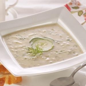 Sopa fría de pepino con Leche de Coco