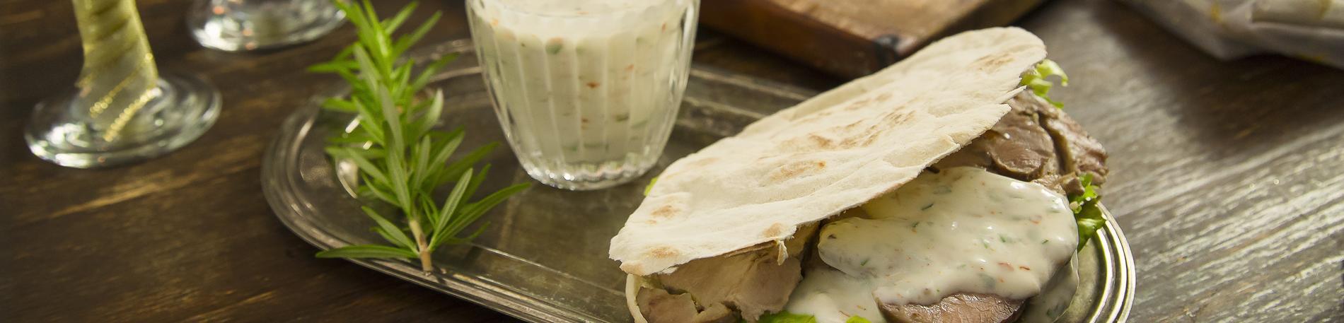 Kebabs de bondiola de cerdo ahumada
